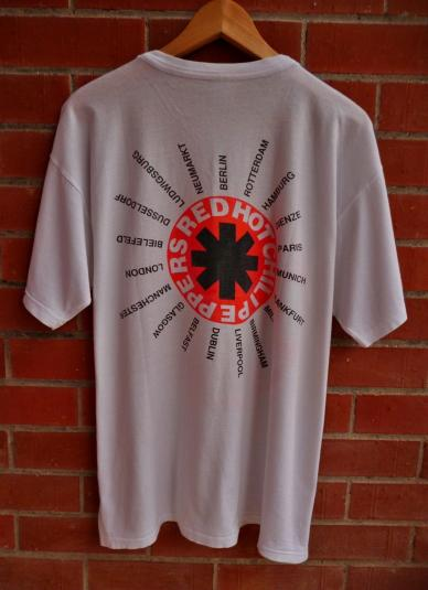 VINTAGE 1992 RED HOT CHILI PEPPERS EUROPEAN TOUR T-SHIRT