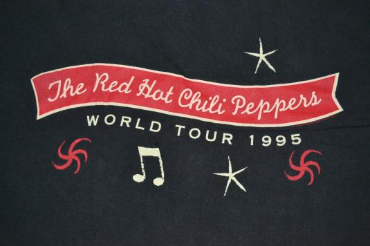 Vintage 90s RED HOT Chilli PEPPERS World Tour Concert Tshirt