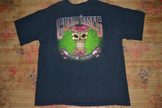 Vintage 1992 GUNS N ROSES Bad Apple Australia Tour T-shirt