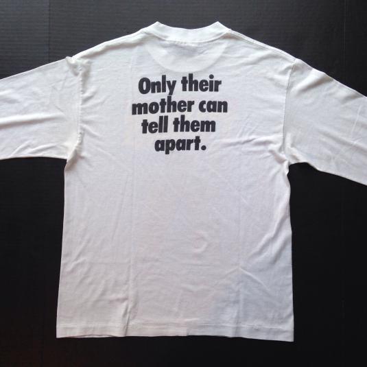 Vintage '88 Twins movie DeVito Arnold Schwarzenegger t-shirt