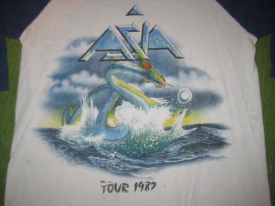 Vintage 1982 Asia raglan t-shirt