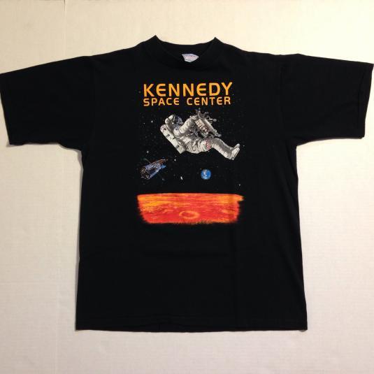 Vintage 1990's Kennedy Space Center astronaut t-shirt