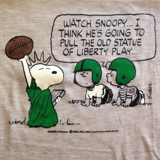 Vintage 1970's Charlie Brown Snoopy Peanuts football t-shirt