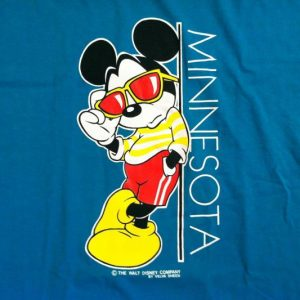 Vintage 1990's Mickey Mouse Minnesota t-shirt
