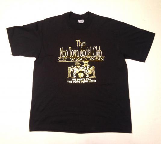 Vintage 1980's gold foil print Wisconsin cows t-shirt