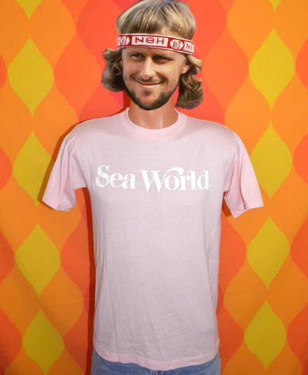 vintage SEA WORLD pink nature whales dolphins t-shirt 80s