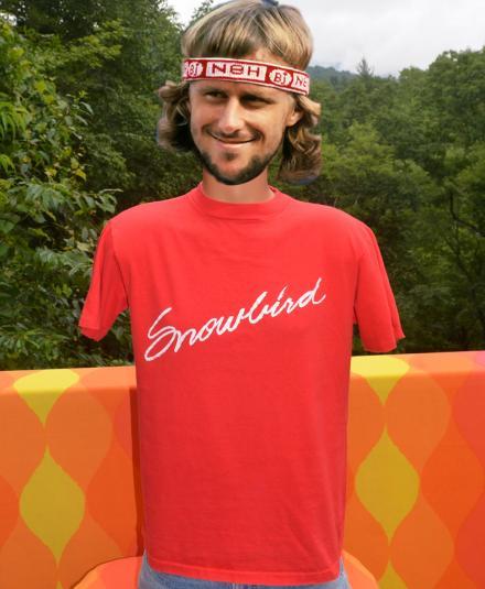 vintage 80s SNOWBIRD utah ski skiing cursive t-shirt red