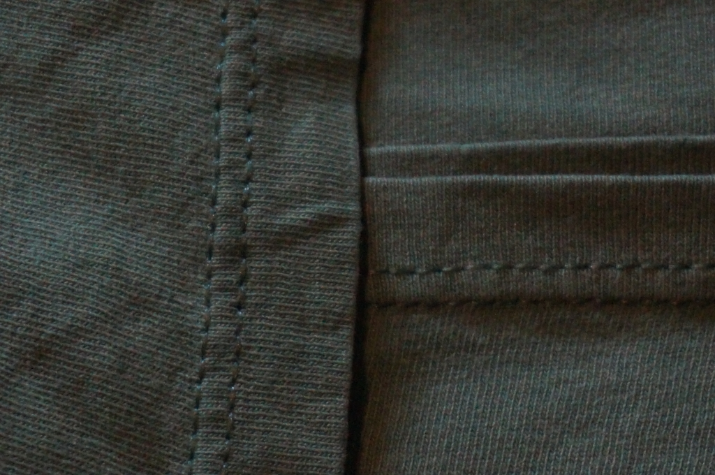 Example of a t-shirt with double stitching on arm and bottom hem