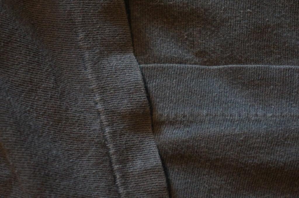 Example of single stitch t-shirt on arm and bottom hem